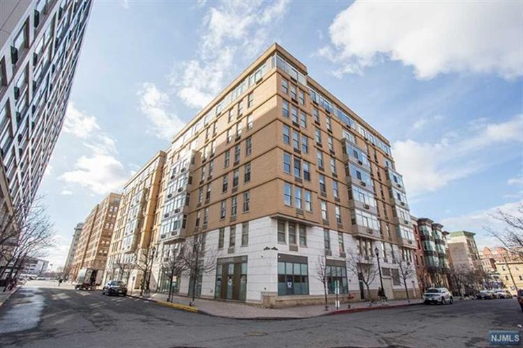 10 Regent Street, Unit 308, Jersey City, NJ 07302