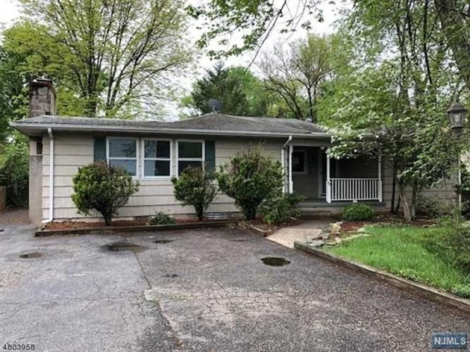 80 Garbarino Avenue, Wanaque, NJ 07465