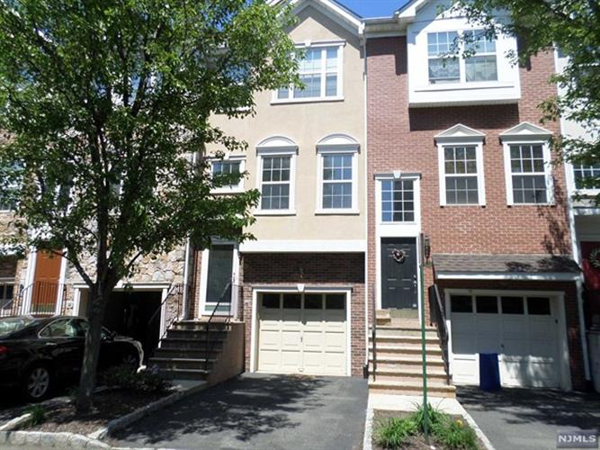 65 Whiteweld Terrace, Clifton, NJ 07013