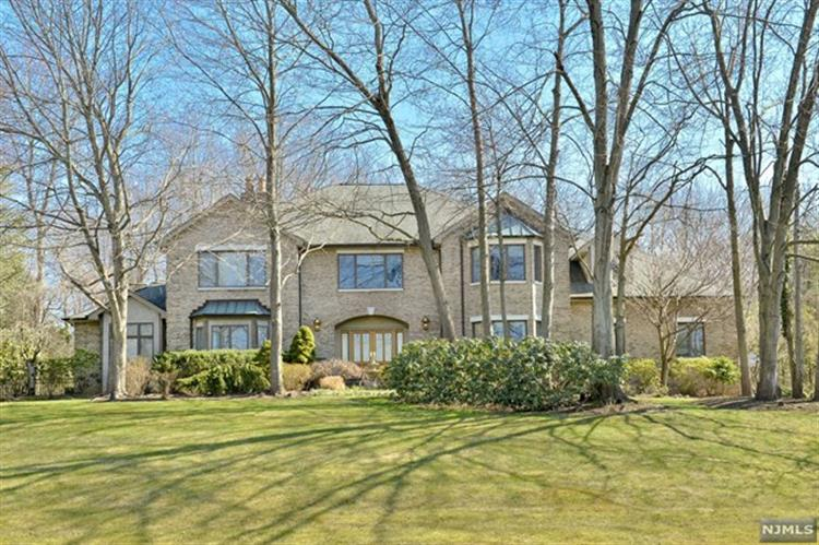 104 Sherwood Road, Norwood, NJ 07648