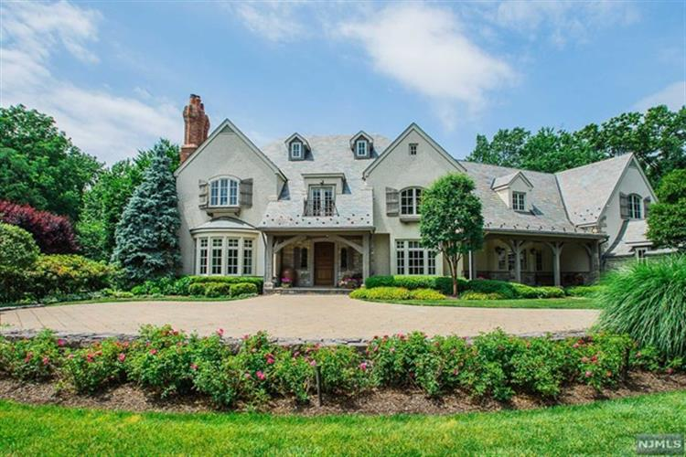 325 Wearimus Road, Ho Ho Kus, NJ 07423
