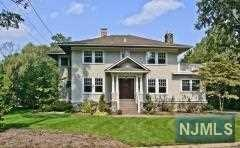 11 Larchdell Way, Mountain Lakes, NJ 07046