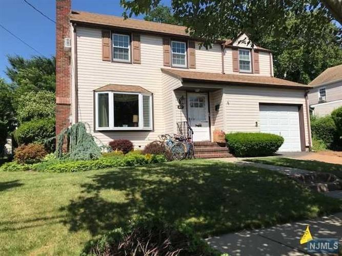 22 Doremus Place, Clifton, NJ 07013
