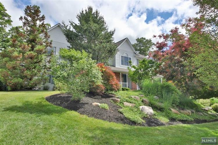1 Concord Court, Mahwah, NJ 07430