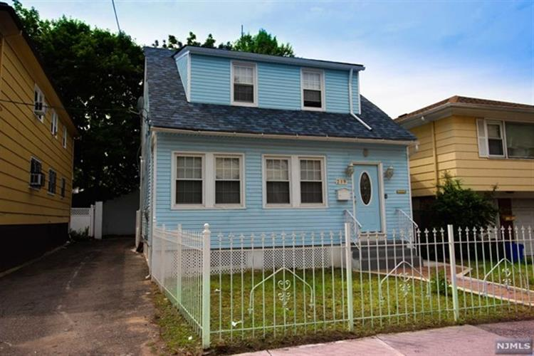 219 Sunset Avenue, Newark, NJ 07106