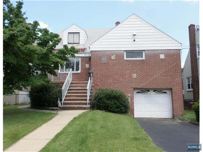 39 Lawton Avenue, Cliffside Park, NJ 07010
