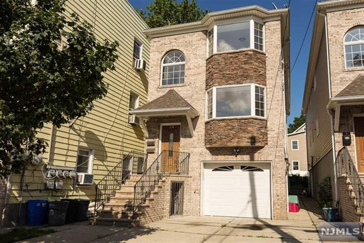 24 Grant Avenue, Harrison, NJ 07029
