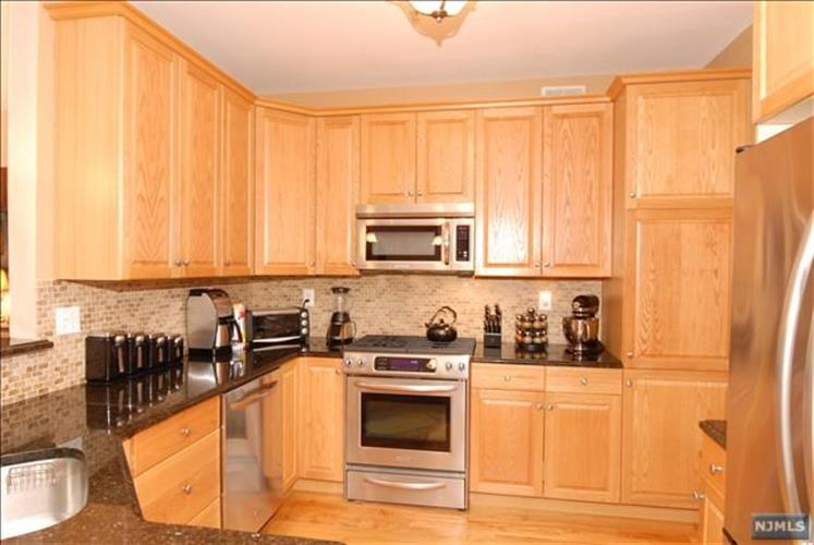 135 Brittany Court, Clifton, NJ 07013 - Image 1