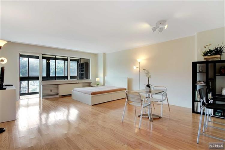 1203 River Road, Unit 17M, Edgewater, NJ 07020 - Image 1
