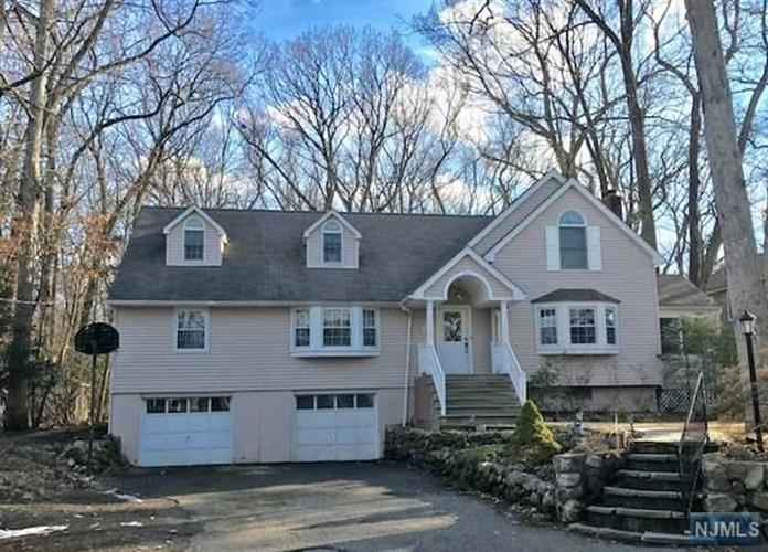 493 Pines Lake Drive, Wayne, NJ 07470