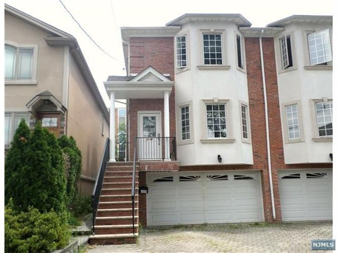 414 Roff Avenue, Unit B, Palisades Park, NJ 07650