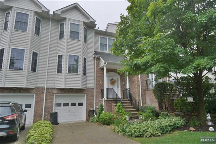 12 Rockcreek Terrace, Riverdale, NJ 07457