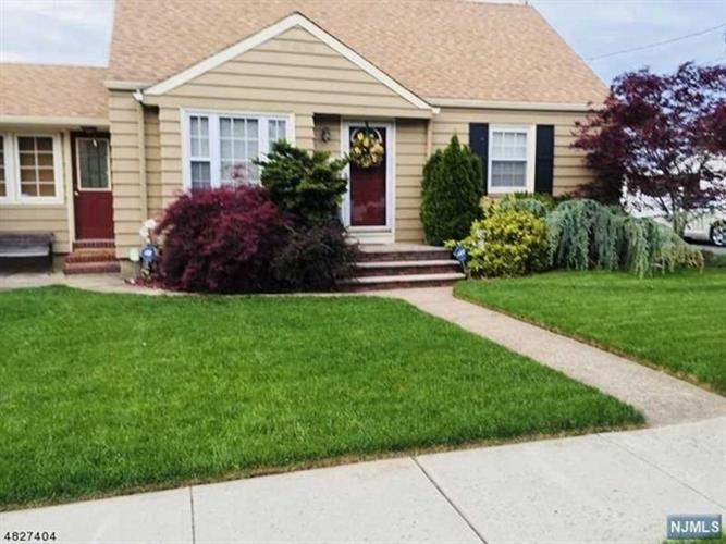 124 Willard Avenue, Totowa, NJ 07512