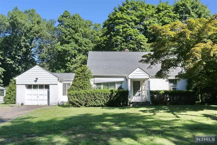 739 Mountain Avenue, Wyckoff, NJ 07481