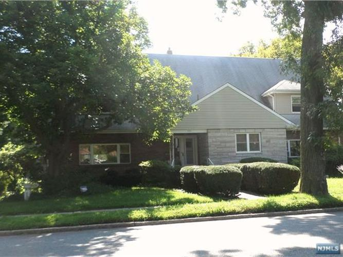 591 Queen Anne Road, Teaneck, NJ 07666 - Image 1