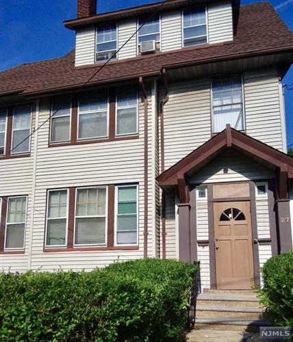 27-29 Leo Place, Newark, NJ 07108 - Image 1