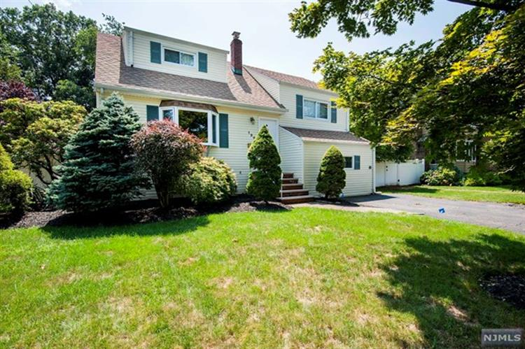 120 Barbara Road, Dumont, NJ 07628