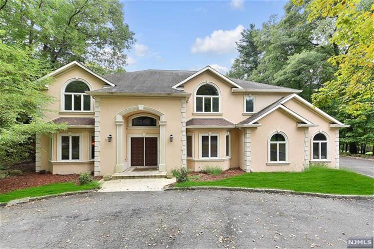 38 Rolling Ridge Road, Upper Saddle River, NJ 07458 - Image 1