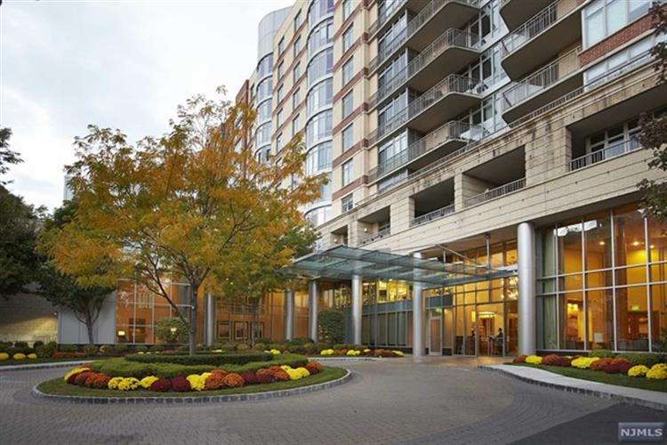 8100 River Road, Unit 707, North Bergen, NJ 07047 - Image 1