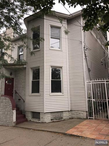 3224 Pleasant Avenue, Weehawken, NJ 07086