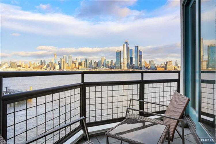 600 Harbor Boulevard, Unit, Weehawken, NJ 07086