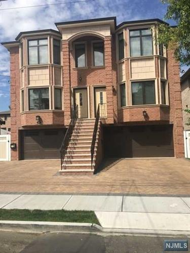 215 Grant Avenue, Cliffside Park, NJ 07010