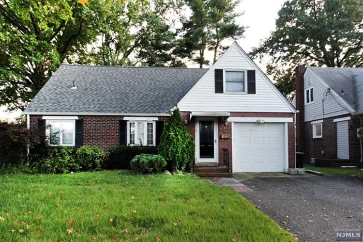 246 Linden Place, New Milford, NJ 07646 - Image 1