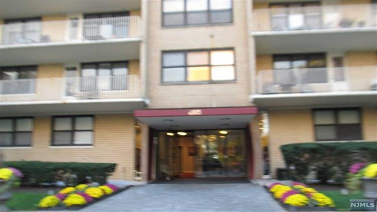 285 Aycrigg Avenue, Unit #17, Passaic, NJ 07055 - Image 1