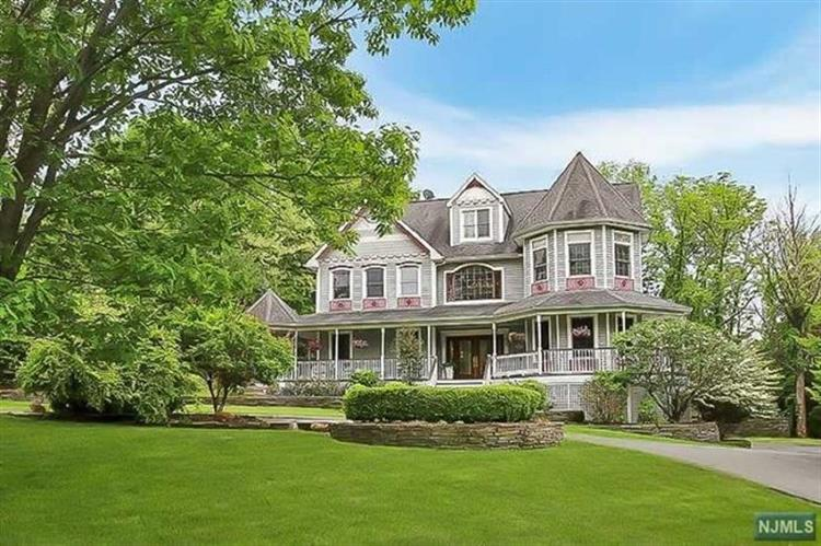 24 Urban Club Road, Wayne, NJ 07470 - Image 1