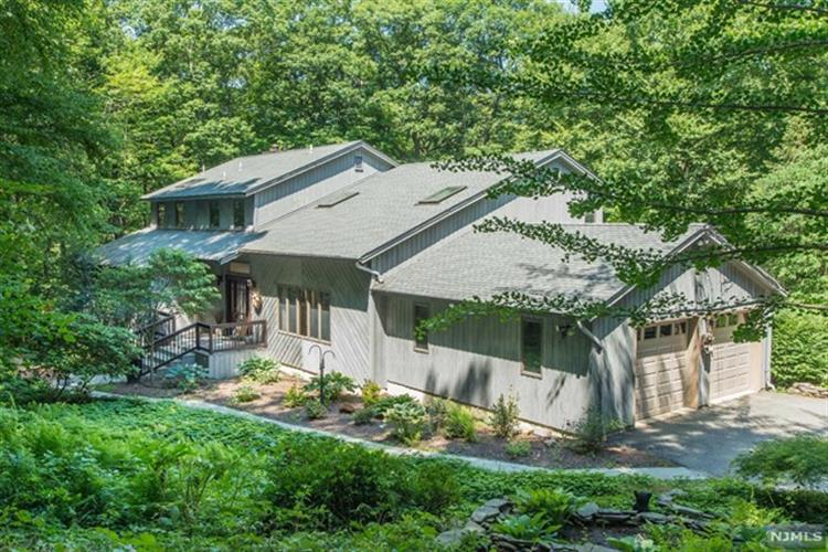 148 Miller Road, Kinnelon, NJ 07405 - Image 1