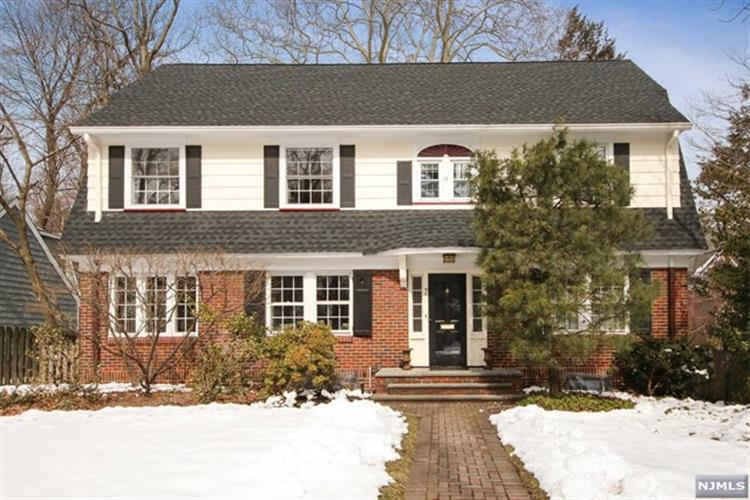 7 North Brookwood Drive, Montclair, NJ 07042 - Image 1