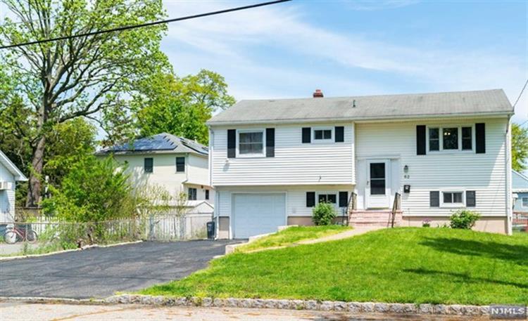 62 Fairmount Road, Parsippany NJ 07054 For Sale, MLS # 1921506, Weichert com