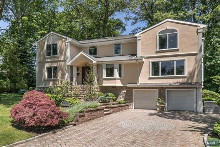 2 Johnson Avenue, Englewood Cliffs, NJ 07632 - Image 1
