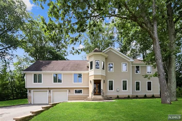 161 Mountain Avenue, Park Ridge, NJ 07656 - Image 1