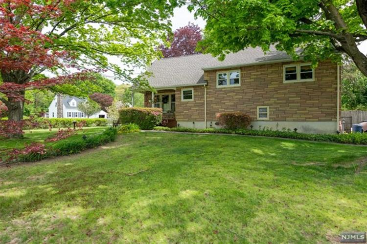 1 Ricker Terrace, Kinnelon, NJ 07405 - Image 1