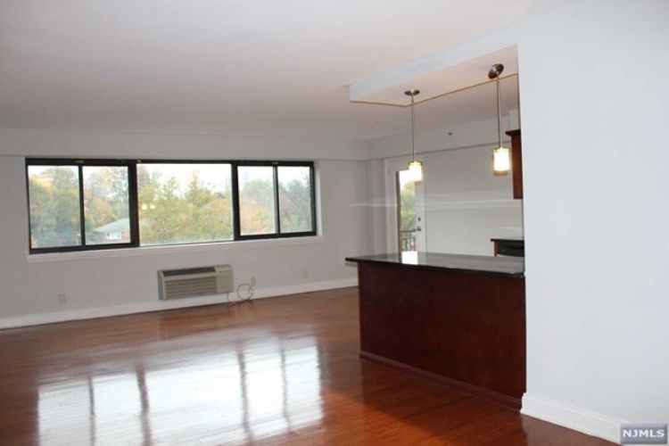 60 East Parkway Drive, Unit 5J, East Orange, NJ 07017 - Image 1