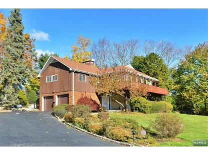 811 Golf Pl Oradell, NJ MLS# 1642461