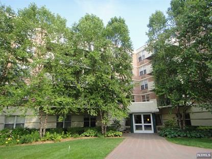 100 Grand Cove Way, Unit 5H Edgewater, NJ MLS# 1829887