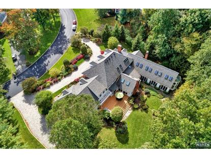 425 Devonshire Drive Franklin Lakes, NJ MLS# 1848852