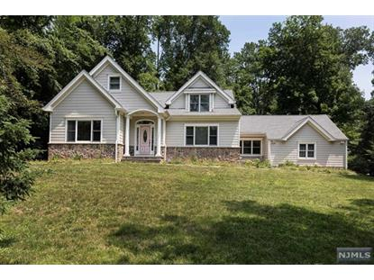 10 Fieldstone Lane Upper Saddle River, NJ MLS# 1901107