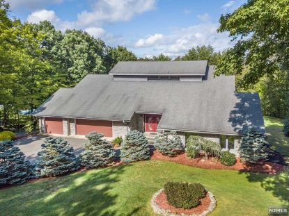 46 Round Hill Road Kinnelon, NJ MLS# 20037639