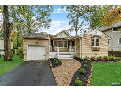 385 Canterbury Drive Ramsey, NJ MLS# 20043538