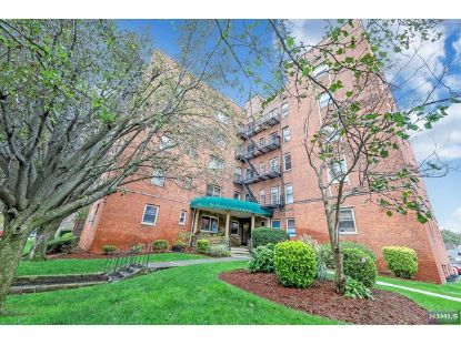 210 Woodcliff Avenue, Unit 4B North Bergen, NJ MLS# 20044465
