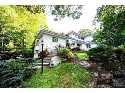 17 Perimeter Road Kinnelon, NJ MLS# 20044556