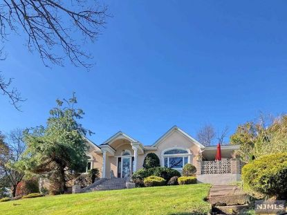 622 Totowa Road Totowa, NJ MLS# 20047065