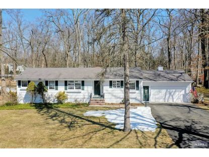 21 Cottontail Trail Upper Saddle River, NJ MLS# 21008778