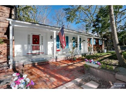 15 Rambling Brook Road Upper Saddle River, NJ MLS# 21013083