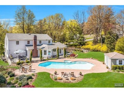 7 Evergreen Drive Upper Saddle River, NJ MLS# 21016438