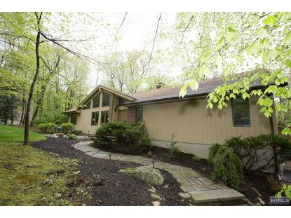 4 Pheasant Run Kinnelon, NJ MLS# 21017331
