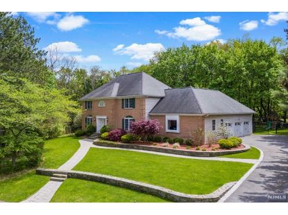 282 Joshua Lane Wyckoff, NJ MLS# 21018557